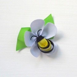 Celestina and Co. Bee on a Flower Sculptured Bow